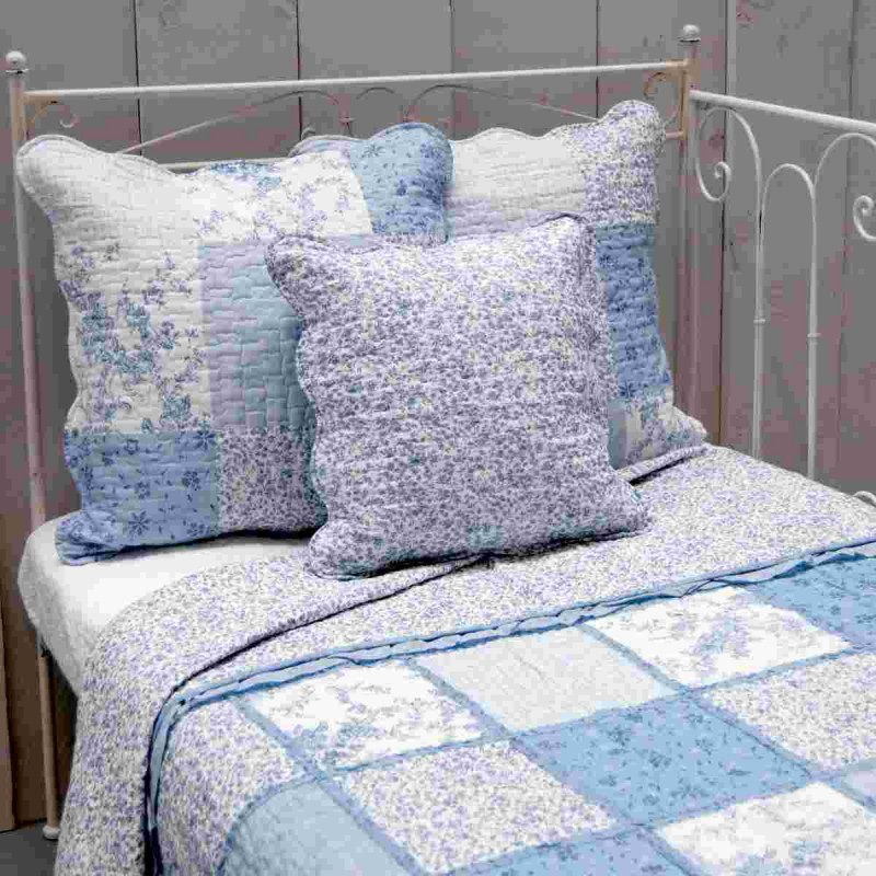 bett berwurf tagesdecke blau 230 x 260 cm clayre eef q151. Black Bedroom Furniture Sets. Home Design Ideas